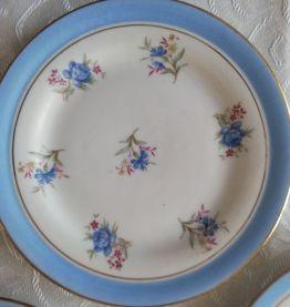 6 assiettes à dessert Porcelaine de LIMOGES 1952 - 1958