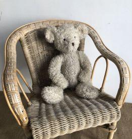 Petit fauteuil en osier tressé