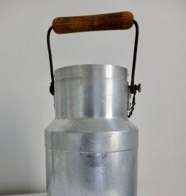 Pot à lait ancien