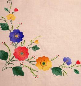 Nappe carrée coton brodée et ses 4 serviettes