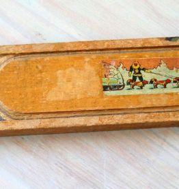Ancien plumier en bois décoré