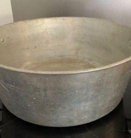 Grande bassine en aluminium