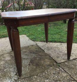 Jolie table art déco en bois massif