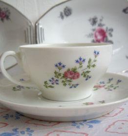 lot Porcelaine de Limoges motif roses