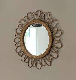 Miroir soleil en rotin arqué. 52cm. 1960.