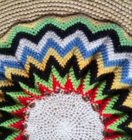 Napperon en laine fait main - Années 70