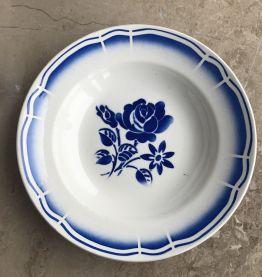 Série de 4 assiettes - en porcelaine