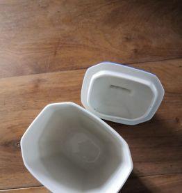 Ancien pot à café en porcelaine