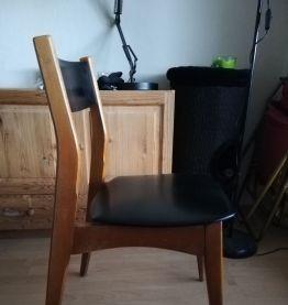 Chaise bois et simili cuir