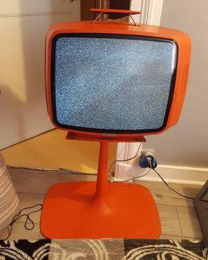 Télé année 70 sur pied origine tbe