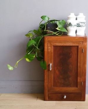 Jolie armoire de toilette vintage