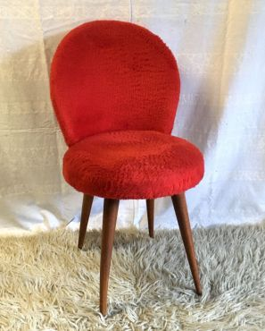 Chaise cocktail rouge  – années 60