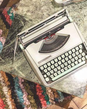 Machine à écrire baby Hermès vintage