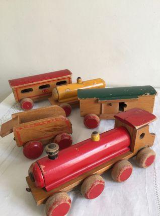 Petit train, locomotive et wagons en bois