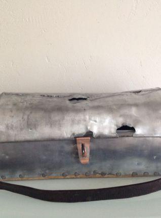 Ancienne caisse à outils de couvreur en zinc et cuivre