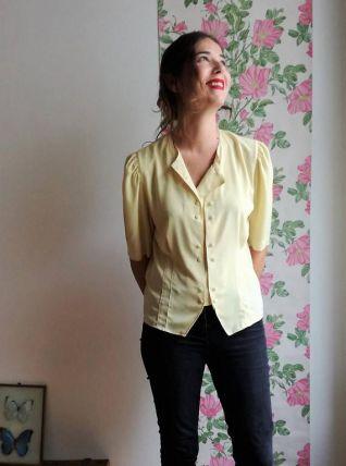 Monette - chemisier vintage en crêpe jaune pâle