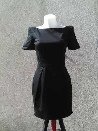 Robe noire French Connection