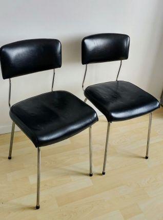 2 Chaises simili cuir noir vintage