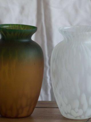 Paire de 2 petits vases en pate de verre