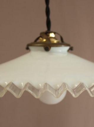 Suspension en opaline blanche n°3