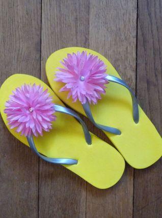 Tongs Plates Jaune Avec Fleur Rose- Pointure 36/37- Neuf