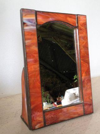 Petit miroir sur pied en pâte de verre