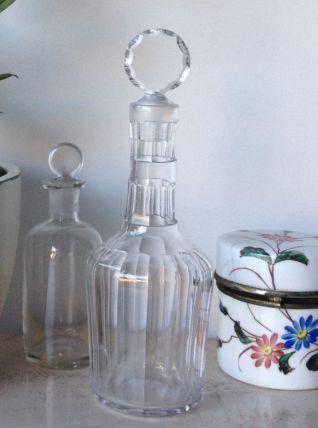 Flacon de parfumeur avec bouchon en cristal