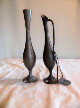 Lot de 2 vases en étain étains du cygne 97%