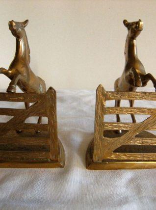 Presse papier livre en bronze/régule doré cheval