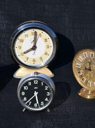 Quatres Réveils vintage Jaz