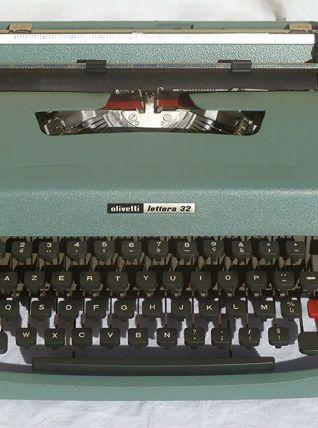 Machine a écrire Olivetti Lettera 32  spain
