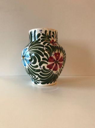 Vase en céramique décor fleurs bleu et rouge