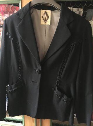 Veste noire des années 50.