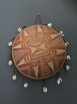 Gita instrument de musique africain calebasse et cauris