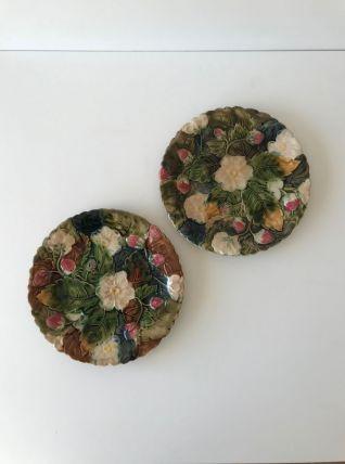 Assiettes barbotine décor fraisier 1920 faïence Onnaing