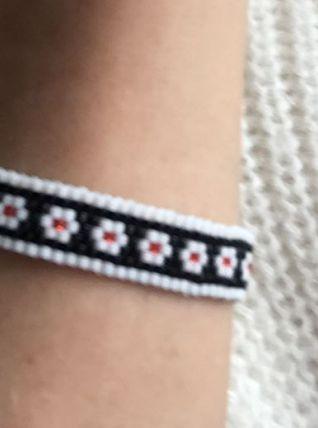 Bracelet tissé en perles Delicas inspiré du folklore slave