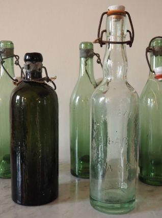 Lot de 5 bouteilles en verre soufflé