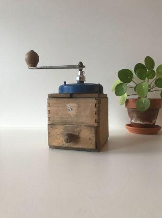 Ancien moulin à café Peugeot