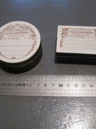2 petites boites de pharmacie Vic-sur Cére (Cantal)