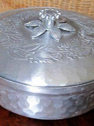 Légumier aluminium martelé années 50/60 -  Design américain