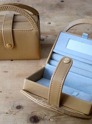 1 Petit sac - Porte-bagues en plastique et feutrine