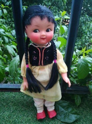 Poupée chinoise vintage