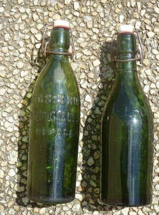 lot de 2 bouteilles anciennes de bière