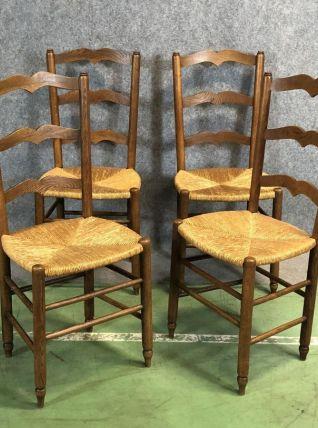 Suite de 4 chaises rustiques en chêne paillées