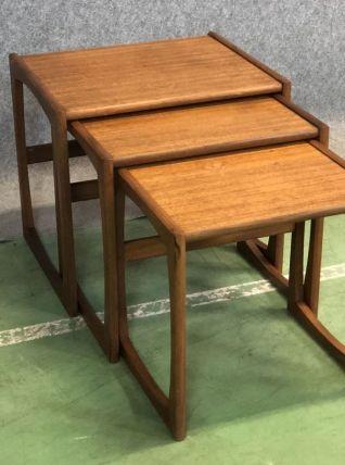 Suite de tables gigognes G PLAN en teck années 70