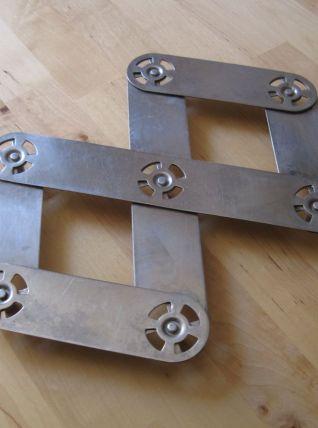 Dessous de plat de la marque SEB pliant en métal vintage