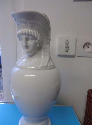 Ancien pichet Empire en forme de femme