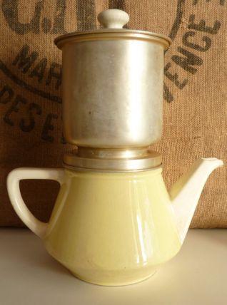 Très jolie cafetière en faïence Villeroy et Boch,  Salam