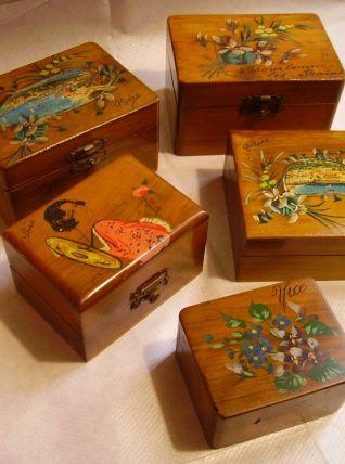 Lot de 5 boites anciennes en bois d'olivier