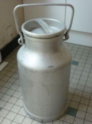 Bidon a lait en alu contenance 20l